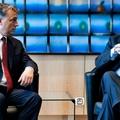 Diktálnak: tényleg Orbán fejét akarja az EU?