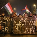 Amikor Orbán Viktor hívei kifütyülik Orbánt
