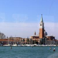 Velence a tenger felől közelítve