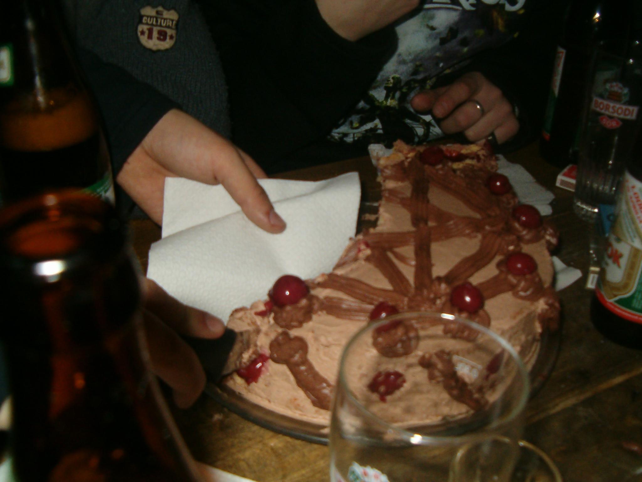 a híres unicumkrémes pentragrammás torta