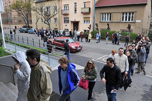 Országgyűlési választási sorbanállás Budapesten 2010-ben