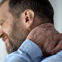 5 fő ok, ami nyakfájáshoz vezet