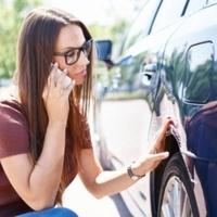 A trükk, amivel eltűnnek a kisebb horpadások autódról