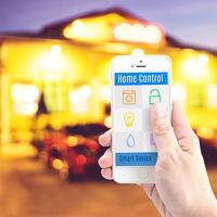 Okostelefonok intelligens otthonok vezérléséhez