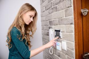 Az otthonodról kialakult összkép és a biztonságod múlhat a kapcsolók, aljzatok kiválasztásán