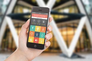 Milyen telefonnal irányítható egy okosotthon?