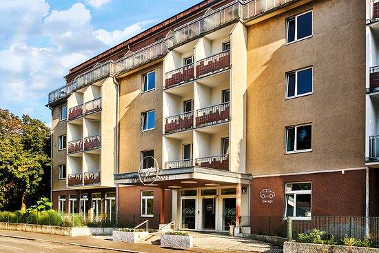 magdas-hotel.jpg