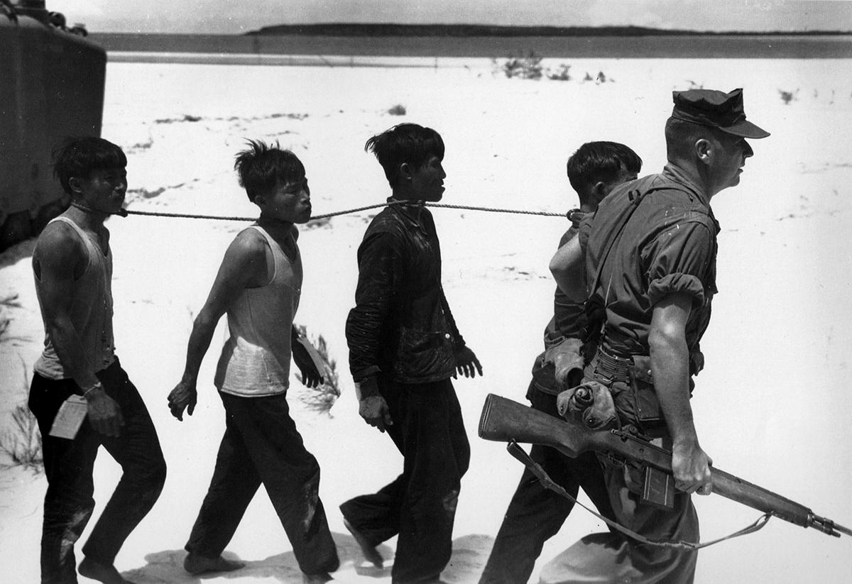 19650725_vc_prisoners_of_3mardiv_da_nang.jpg