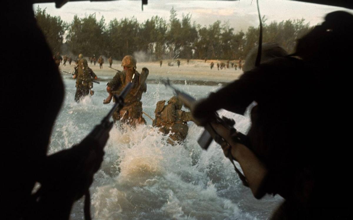 196508_op_piranha_7th_marines_landing_batangan.jpg