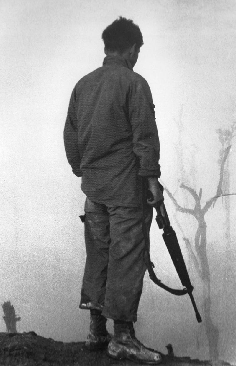 us_trooper_looking_down_on_ashau_valley_1969.jpg