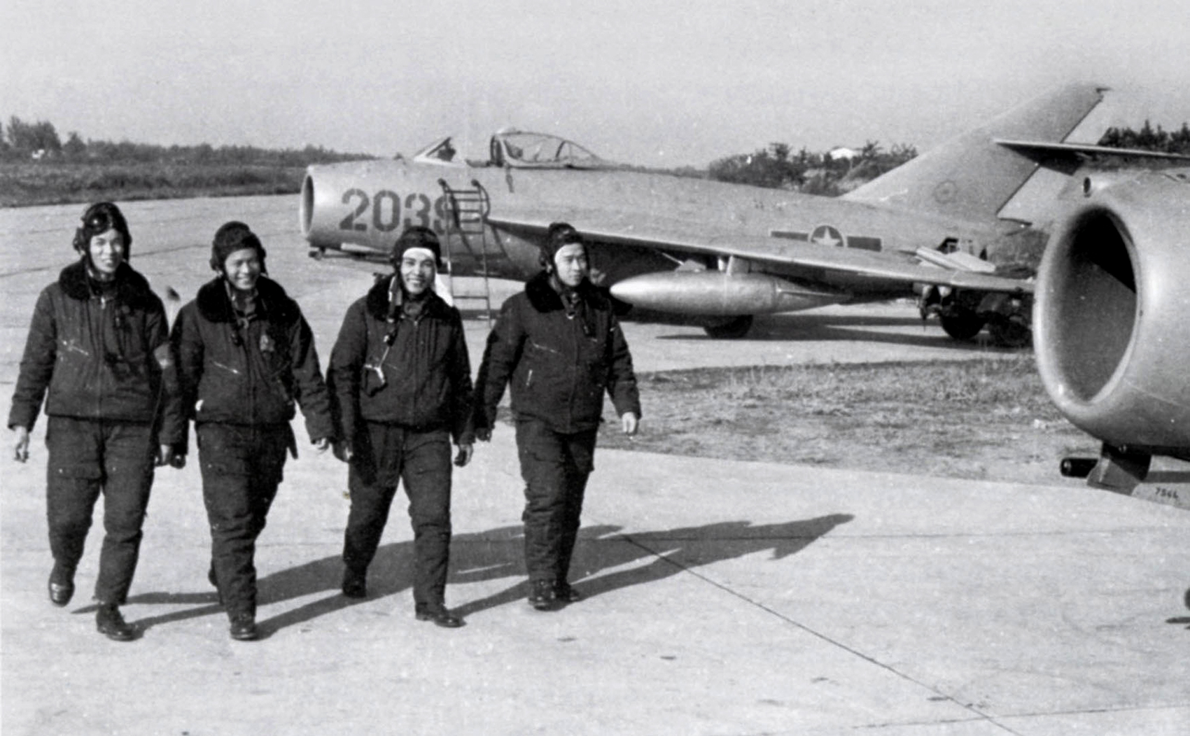 vdr_air_force_mig_17.jpg