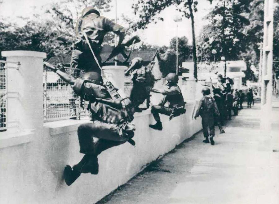 196409_saigon_coup.jpg