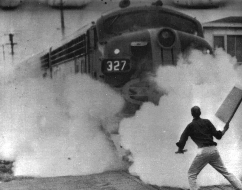 196508_oneman_stand_at_a_troopcarrier_train_berkeley.jpg