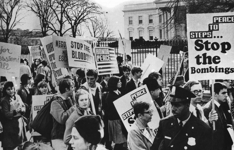 19651130_antiwar_demonstration.jpg