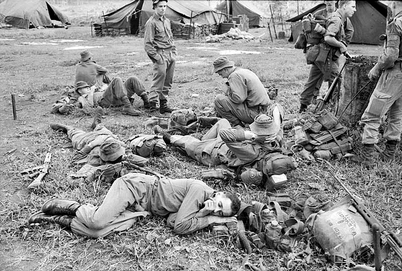 nz_troops_rest_before_patrol.jpg