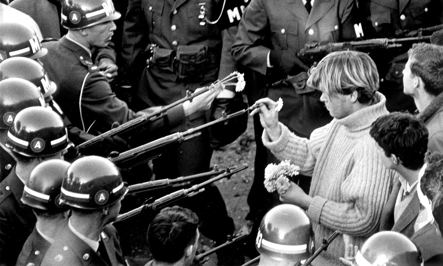 19671021_protest_at_pentagon.jpg
