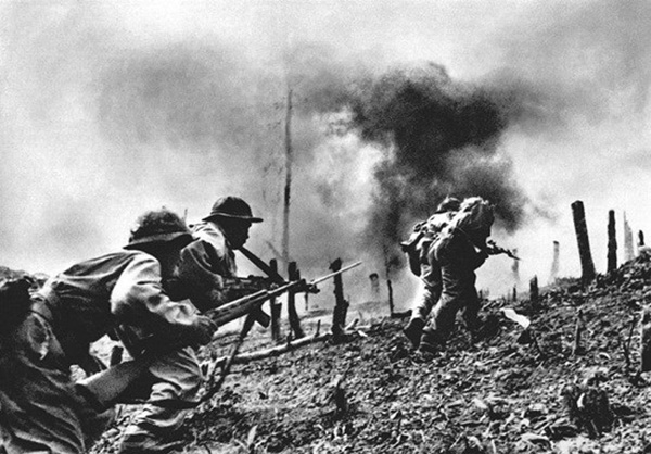 nva_infantry_attack_on_khe_sanh.jpg