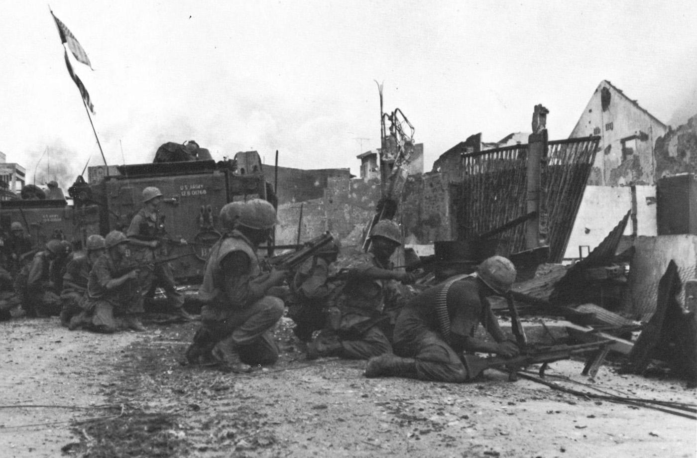 Amerikai katonák Saigon Y-hídjánál