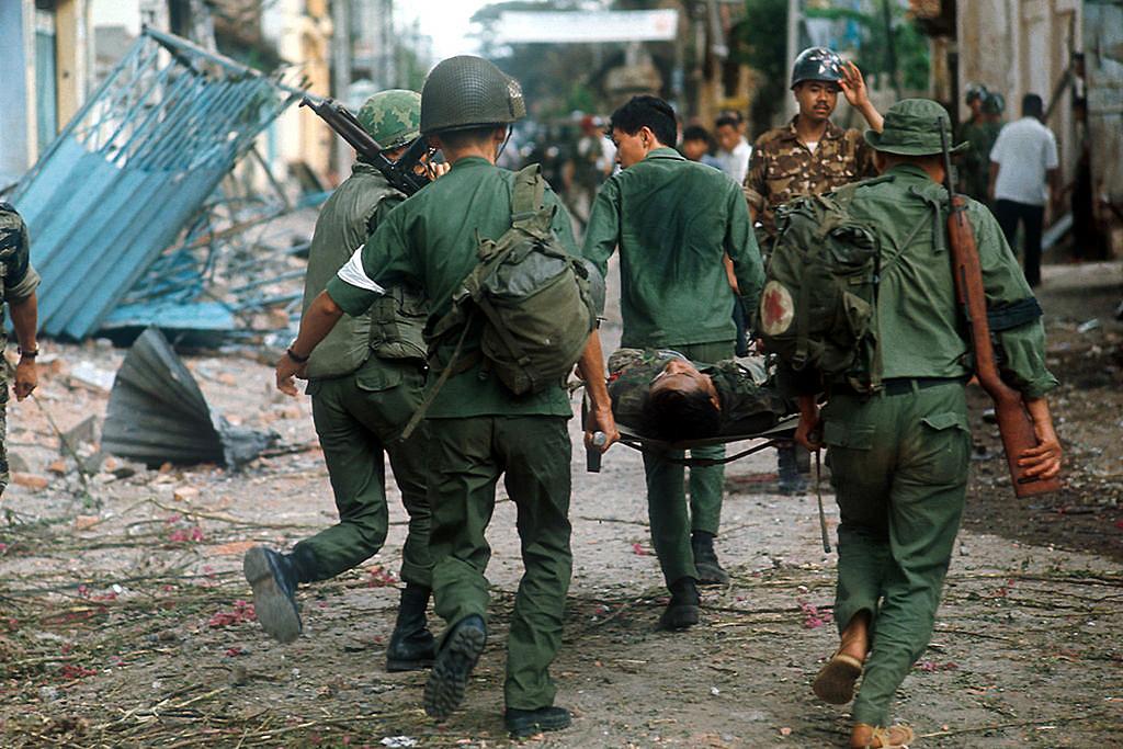 Dél-vietnami sebesült evakuálása