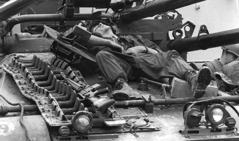 19680223_ontos_crewman_sleeping_in_hue.jpg