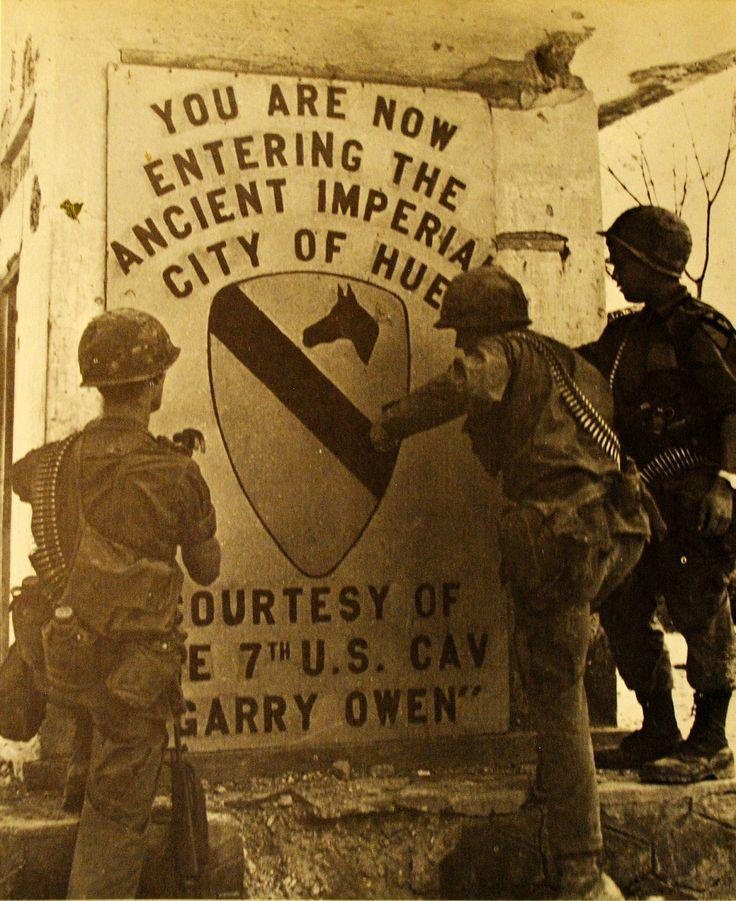 A Hué északi oldalán bevetett 1. lovassági hadosztály katonái