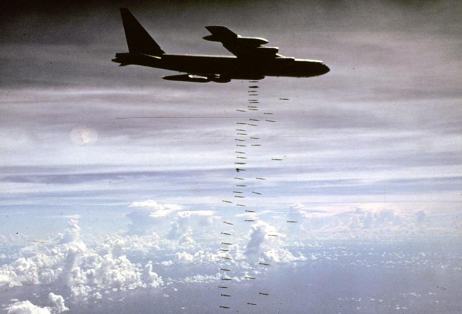 b-52_in_action.jpg