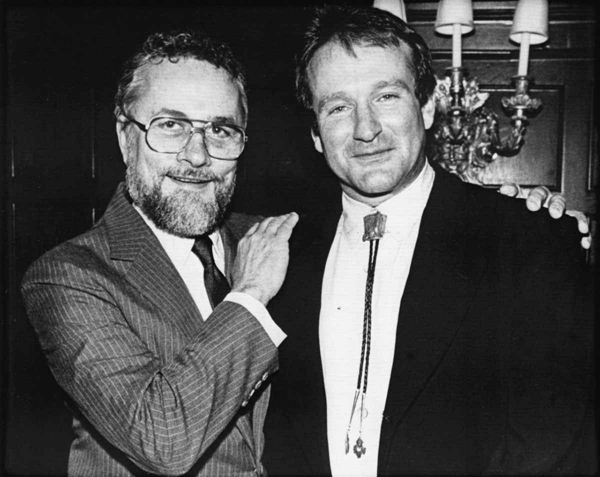 adrien_cronauer_w_robin_williams.jpg
