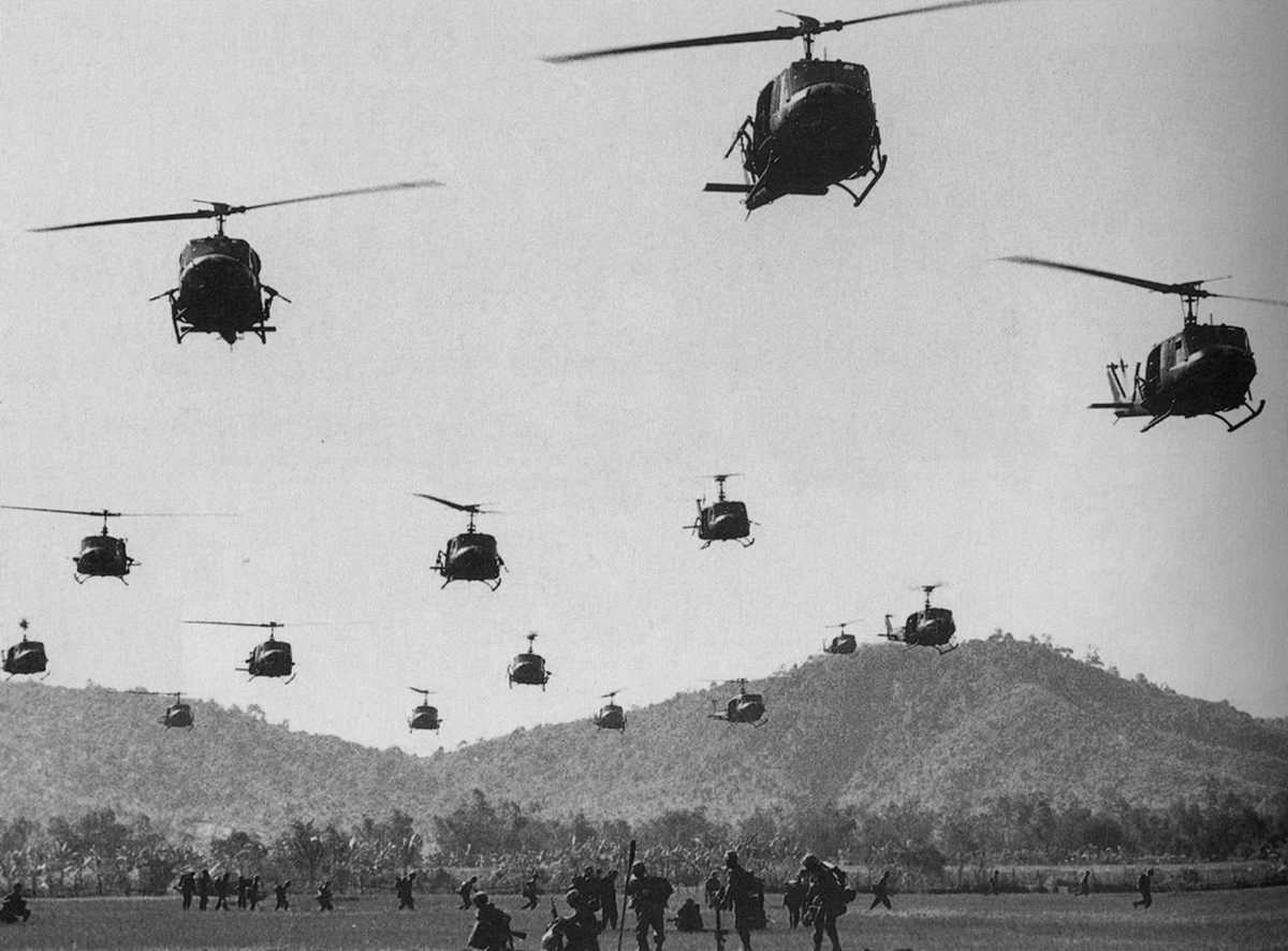 hueys_and_infantry.jpg