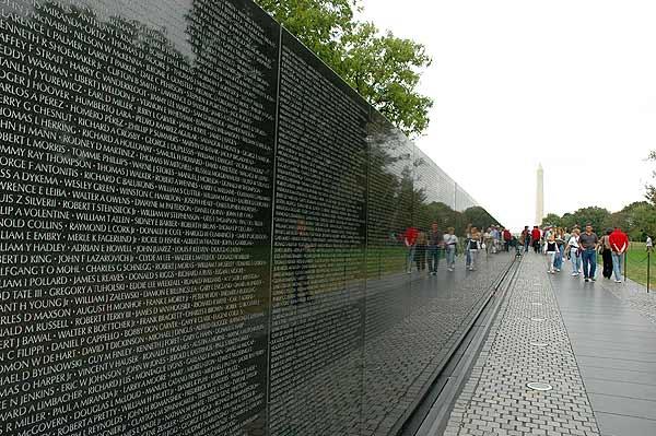 vietnam_war_memorial.jpg