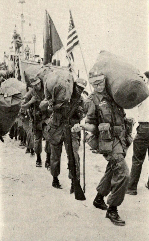 1965_1st_infantry_arriving.jpg