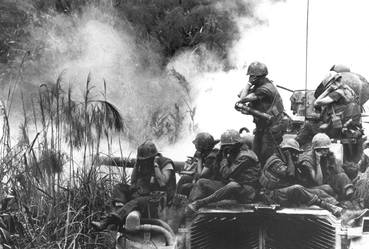 1968_04_marines_on_m48_tank_near_phu_bai_sweeping.jpg