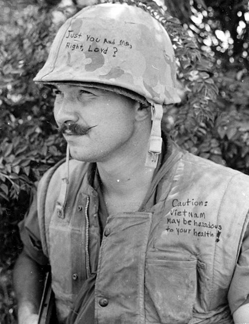 'Csak te meg én, igaz, Uram?'; 'Figyelmeztetés: Vietnam ártalmas lehet az egészségedre.'