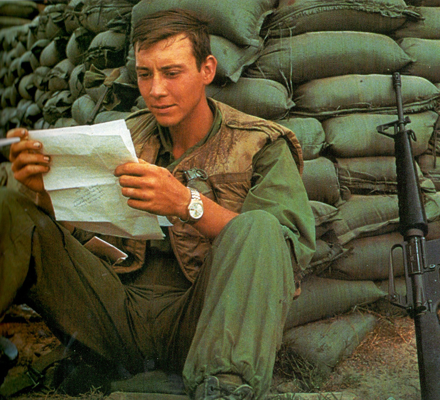trooper_reading_letter_1.jpg