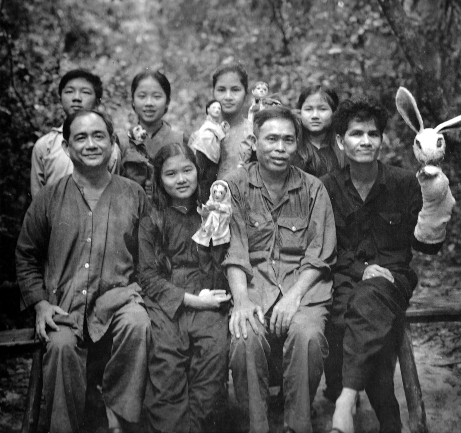 vc_puppet_troupe_cambodian_border.jpg