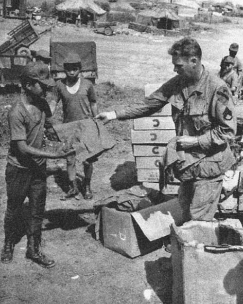 arvn_soldiers_receiving_uniform.jpg