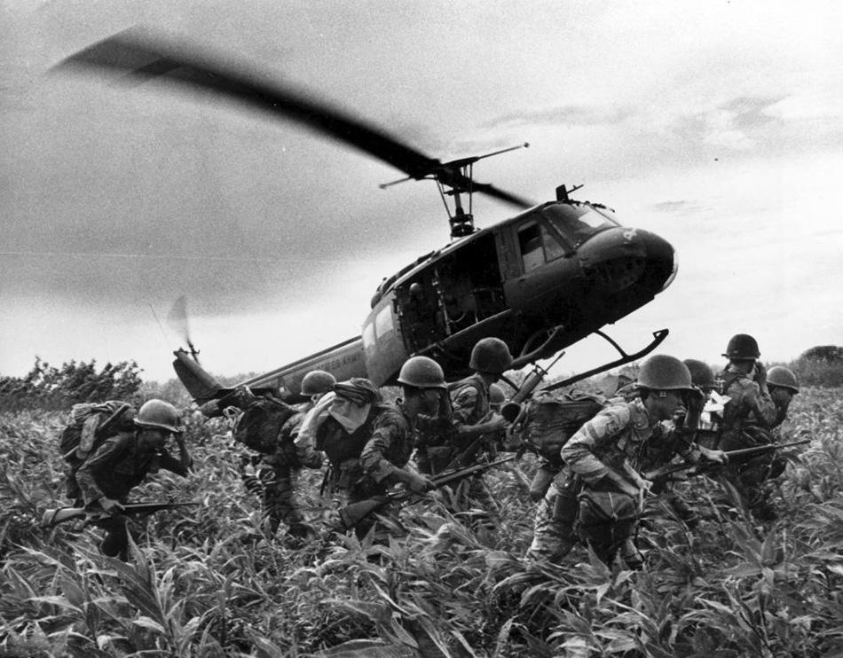 arvn_troops_landing_3.jpg