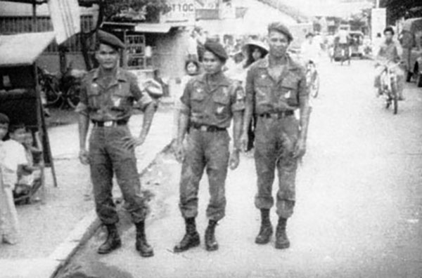 arvn_soldiers_going_out_bien_hoa.jpg