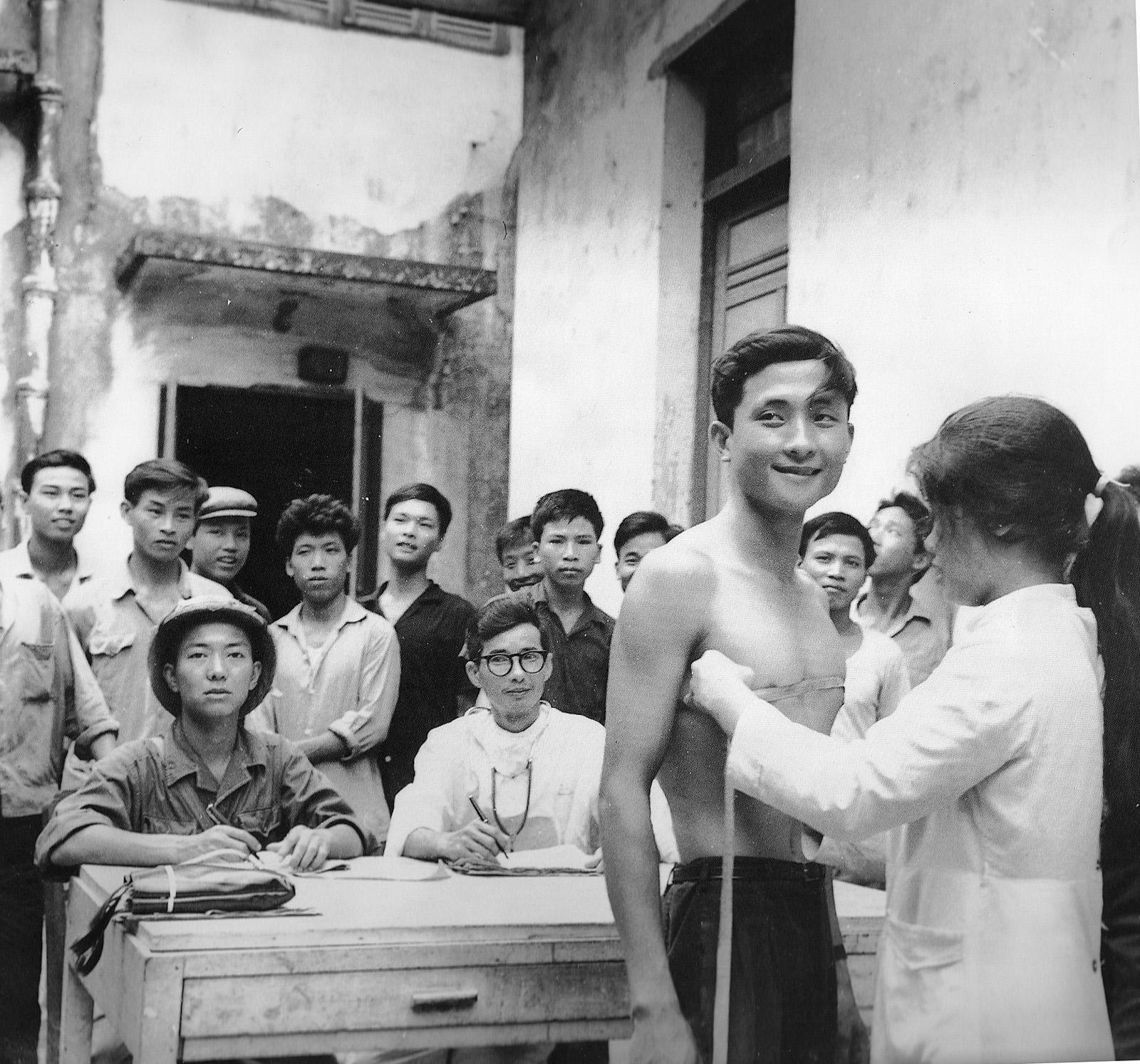 recruiting_in_haiphong_1967.jpg