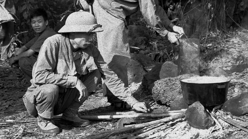 pavn_troops_cooking.jpg