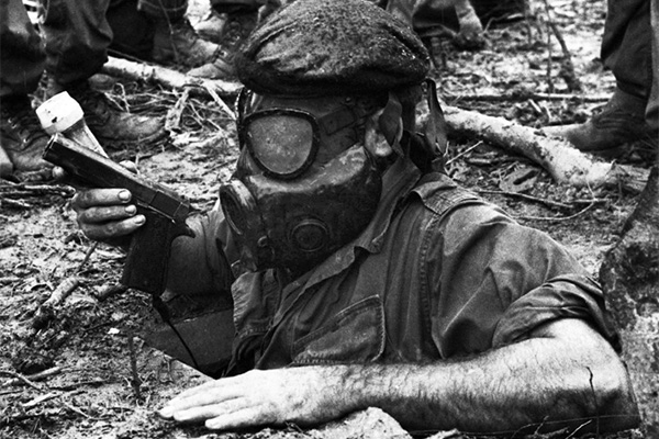 tunnel_rat_in_gas_mask.jpg