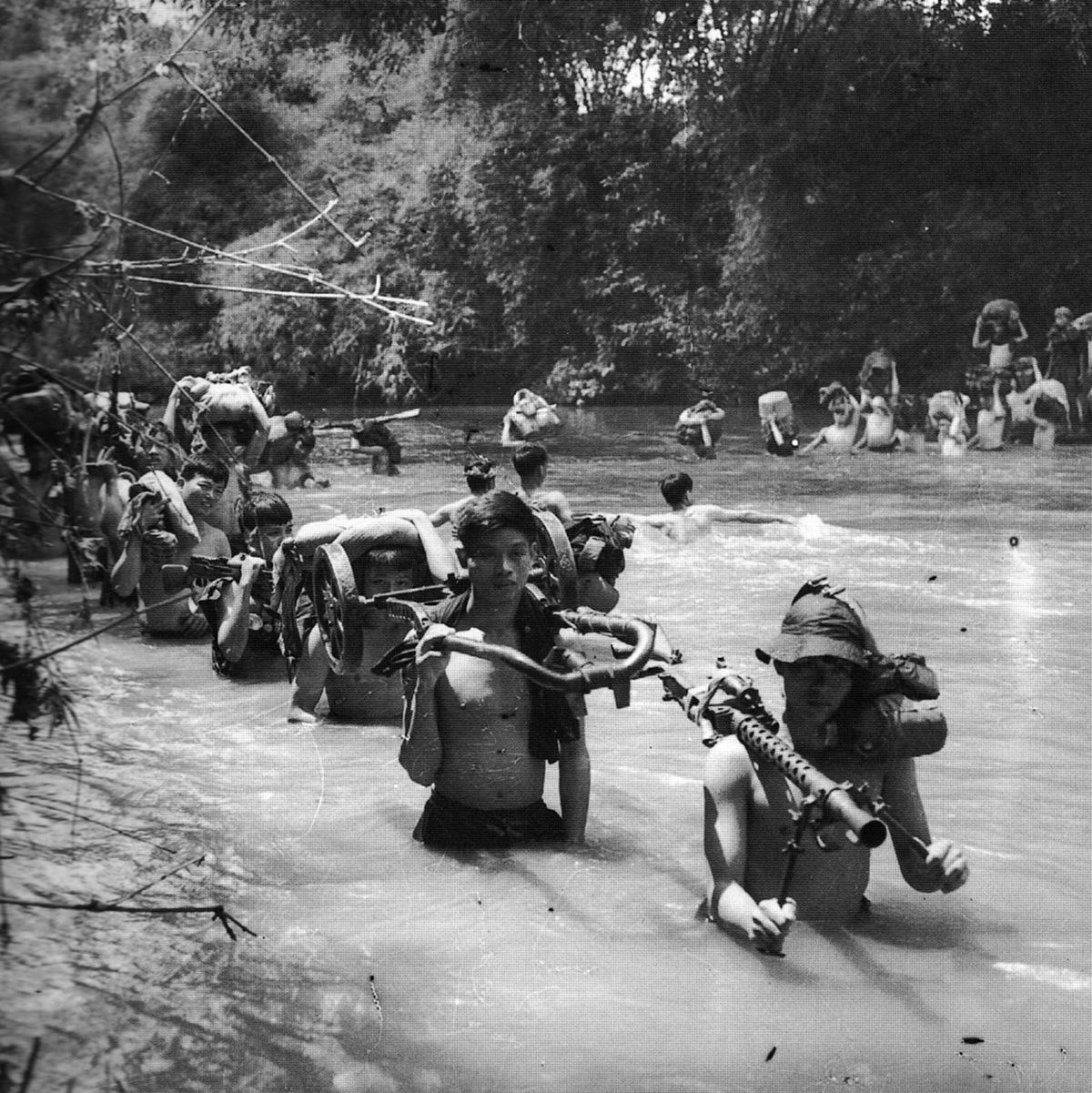 196606_nva_units_at_cambodian_border.jpg