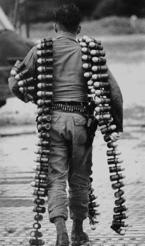 armorer_w_40_mm_grenades.jpg