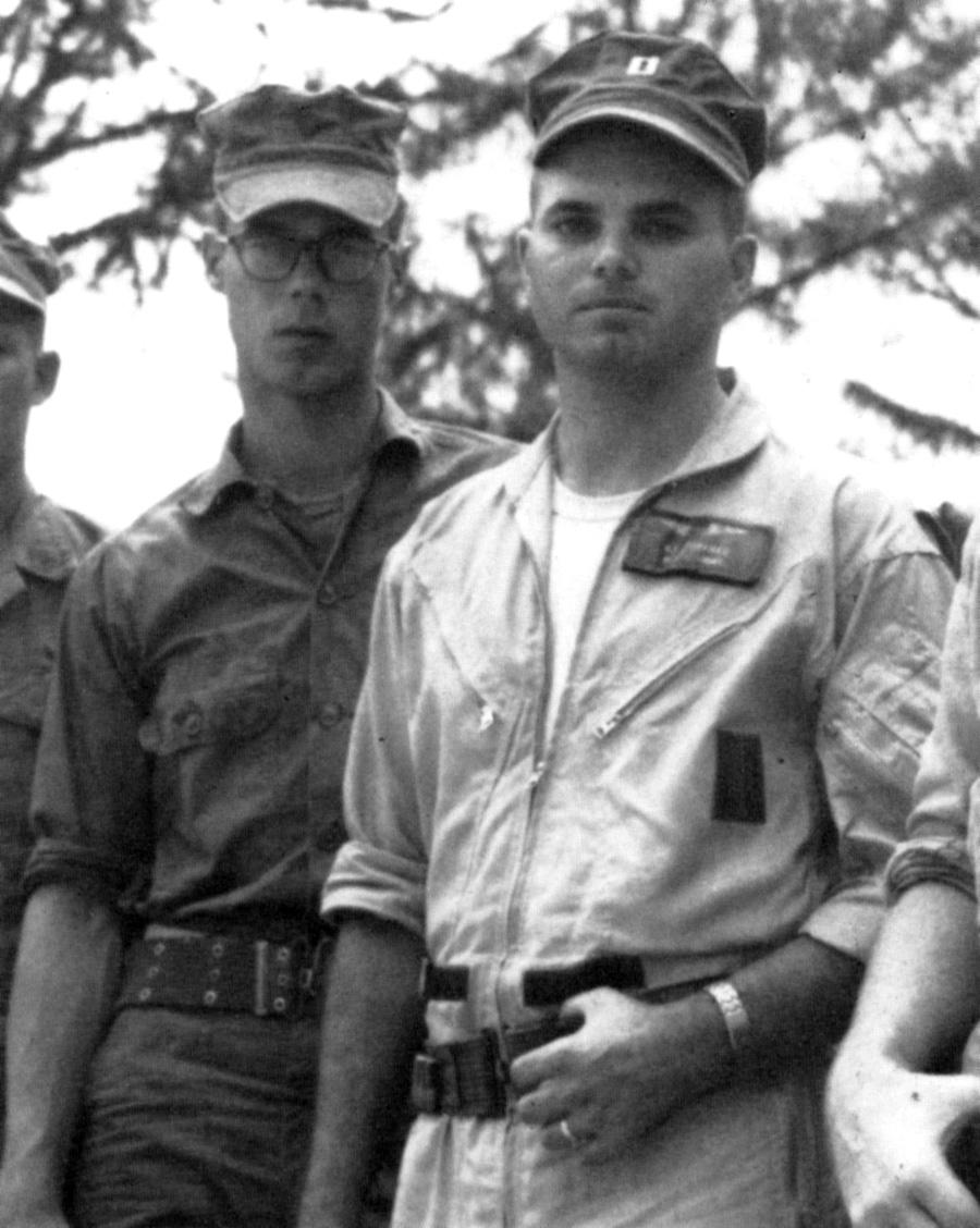usmc_chopper_crew_early_1960s.jpg