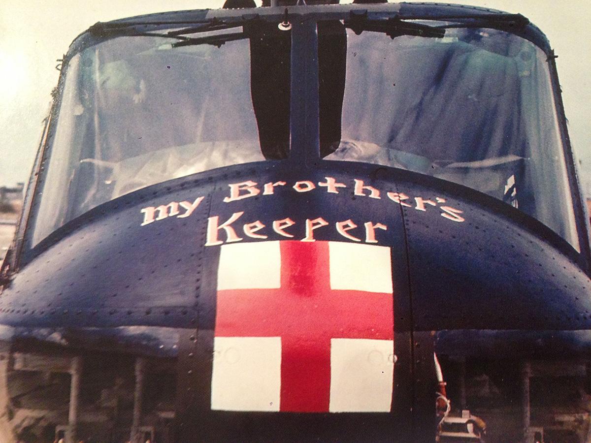 'Testvérem őrizője' – bibliai utalás egy mentőhelikopter orrán