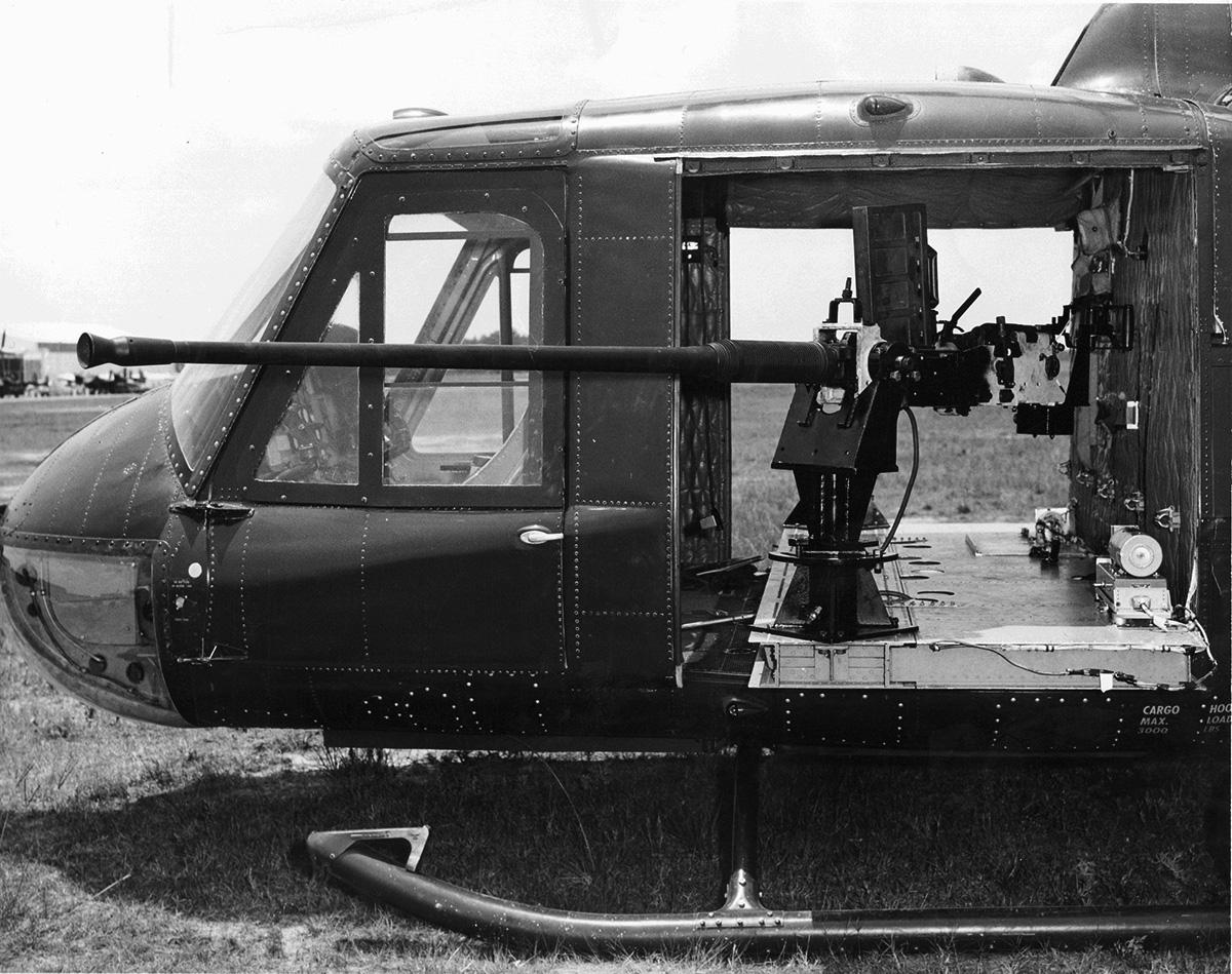 Ez már csak terv maradt... 20 mm-es M-139-es gépágyú egy UH-1-esen