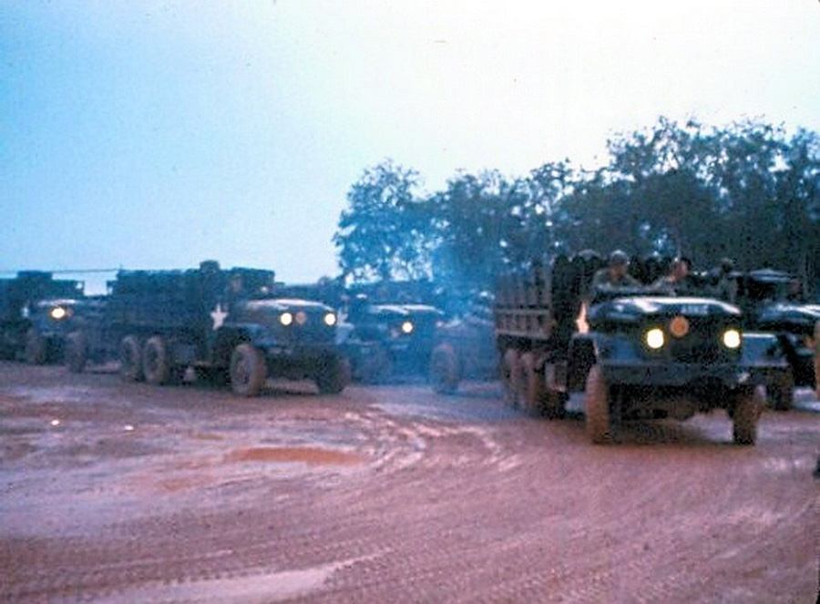 convoy_leaving_long_binh_to_phuoc_vinh_dawn.jpg