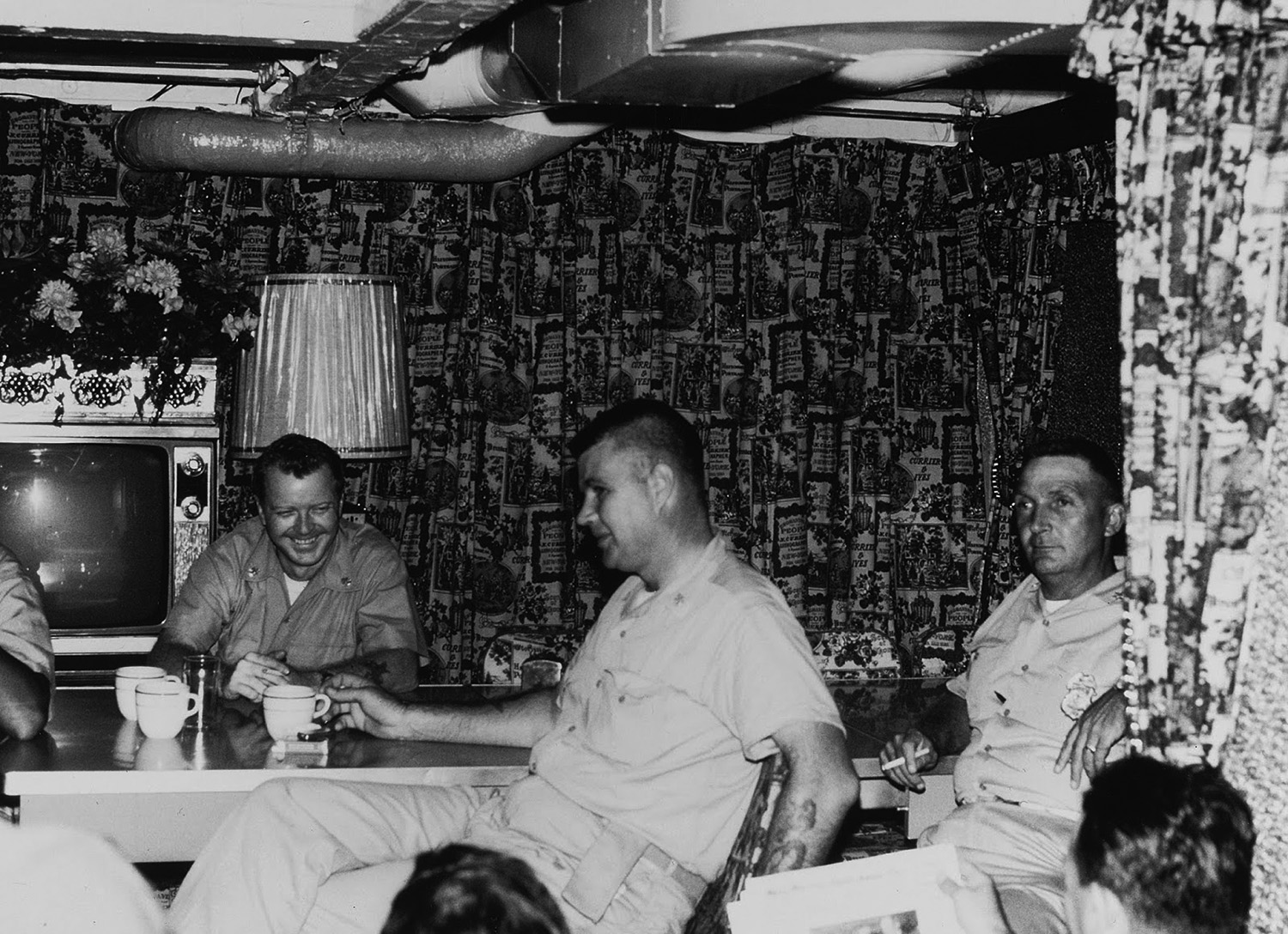 uss_benewah_chief_lounge.jpg