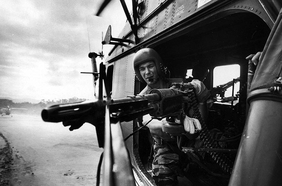 A Yankee Papa 13 géppuskása a bevetés elején