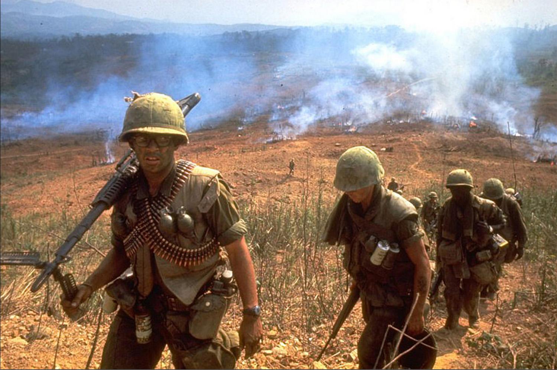 Az 1. lovassági hadosztály katonái Khe Sanh felé menet