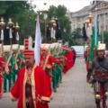 Janicsárzenekar a Duna-korzón: így ünnepelték Buda elfoglalását (videóval)